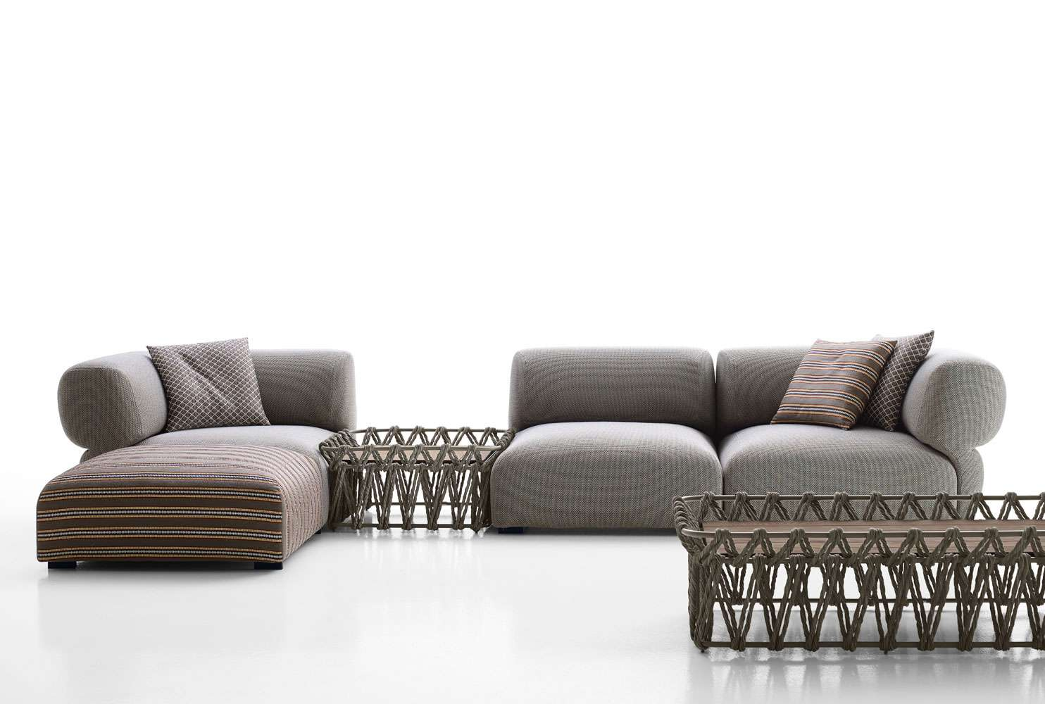 Squarcina b b italia outdoor butterfly sofa squarcina for B and b italia outdoor