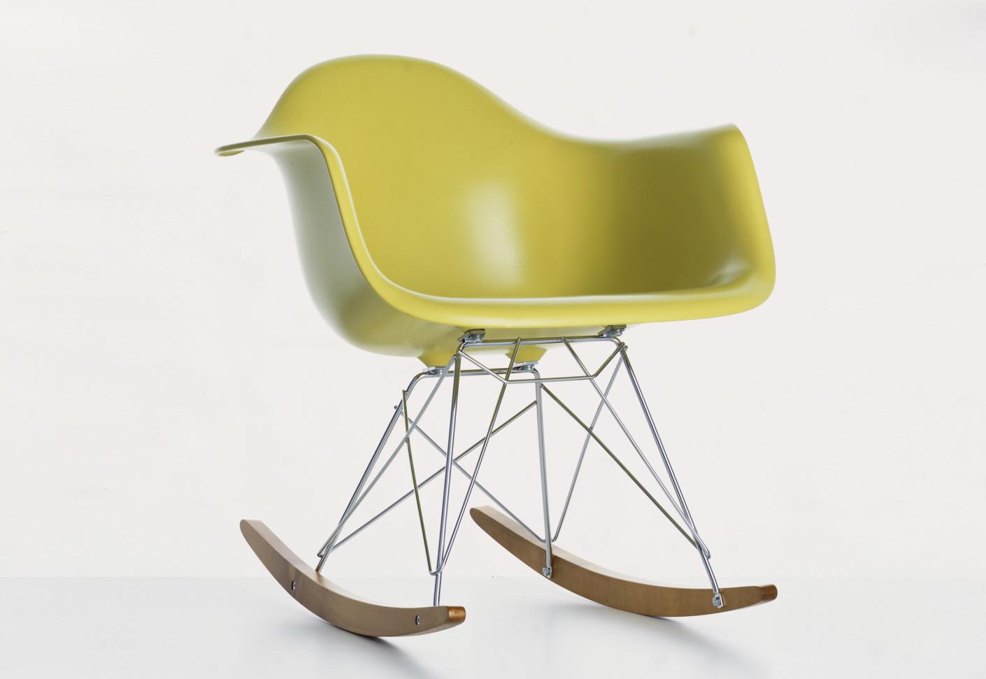Vitra Sedia A Dondolo Eames Plastic Armchair Rar : Squarcina vitra eames plastic chair rar squarcina